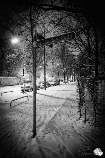 Silent Empty Winter Night - Straßenschild St.-Martins-Platz (Foto: Eric Paul)
