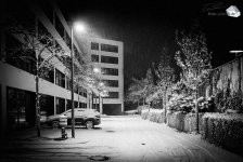 Silent Empty Winter Night - Schneefall im Sunyard (Foto: Eric Paul)